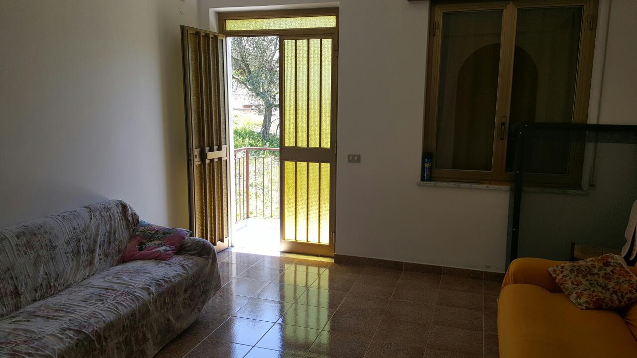 Продажа двухэтаэжного дома в Италии, город Cetraro