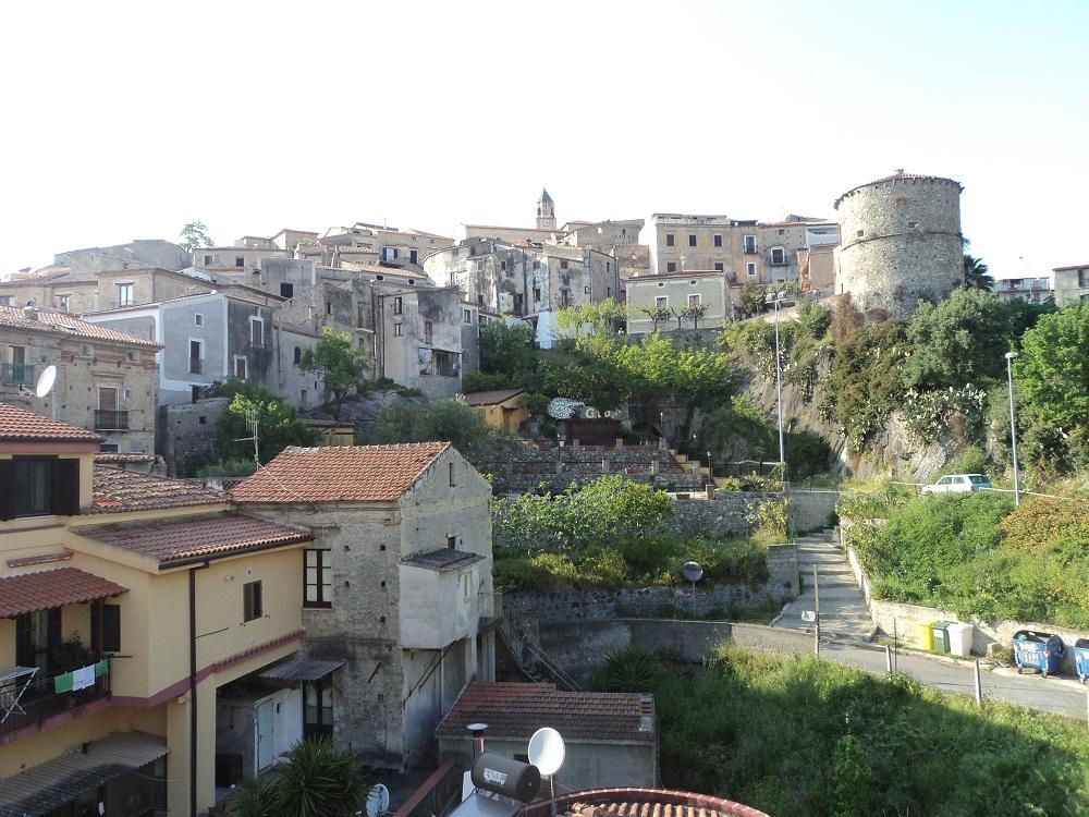 Фото квартиры в Скалее на улице Vittorio Emanuele в 300 метрах от пляжа