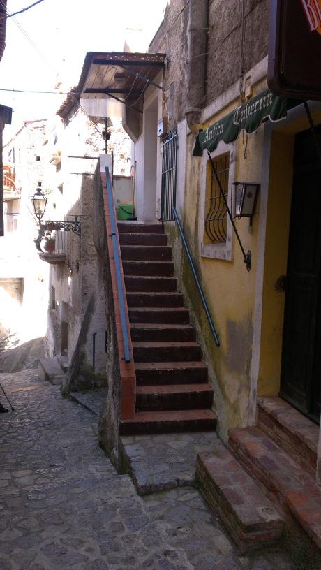 Продажа квартиры в Италии, исторический центр Скалеи, via Municipale