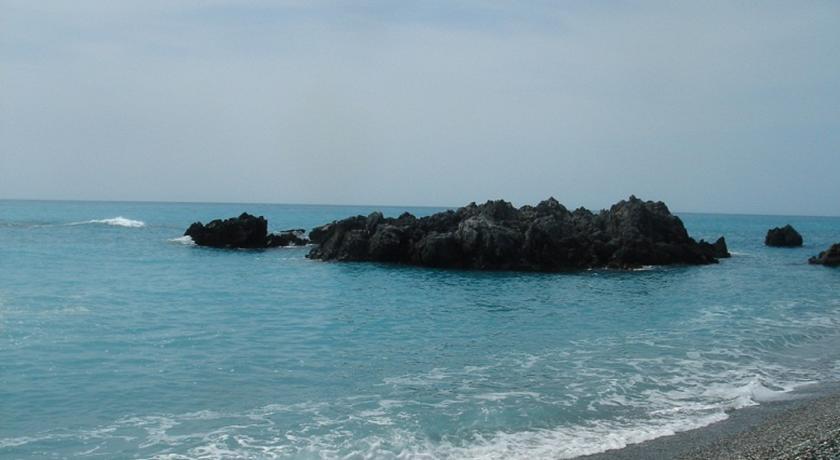Пляж в 400 м от дома. Квартира в Италии, город Скалея, центр, улица Vittorio Emanuele III