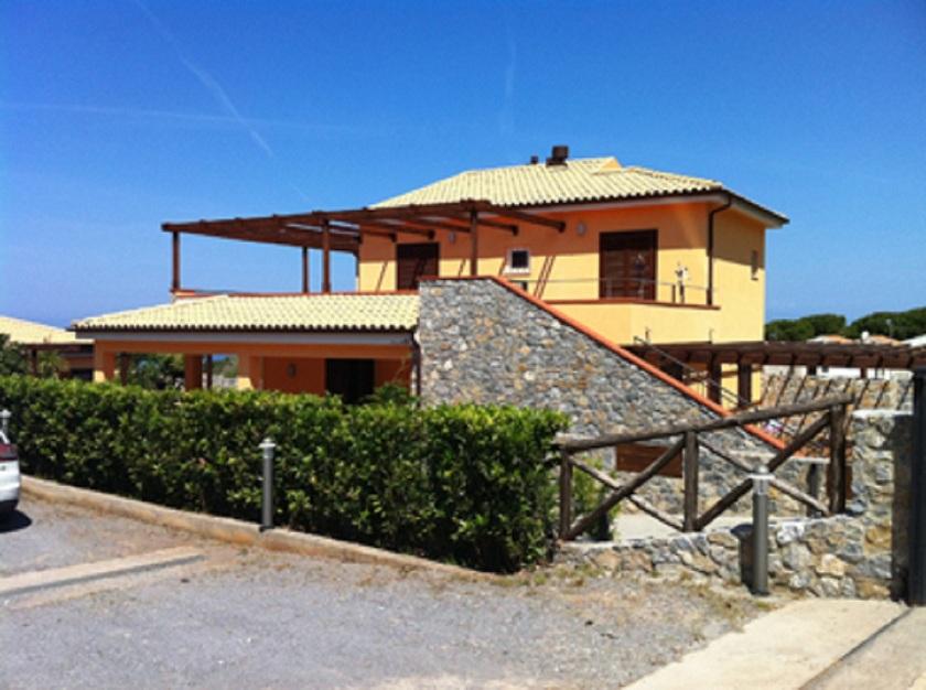 Продажа новой виллы в Италии, город Диаманте, в 15 км от Скалеи