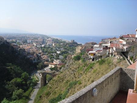 Где в италии дешевле жилье у моря